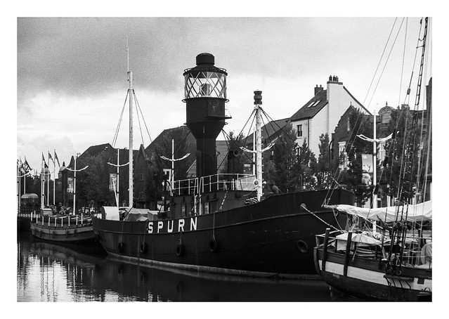 FILM - Lightship