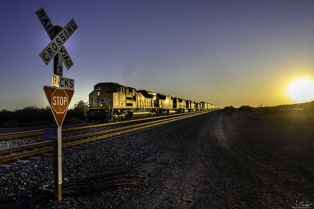Train 8987 near Sentinel - Arizona - USA