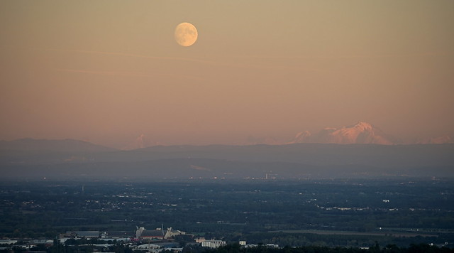 Moonrise in front of Mont Blanc