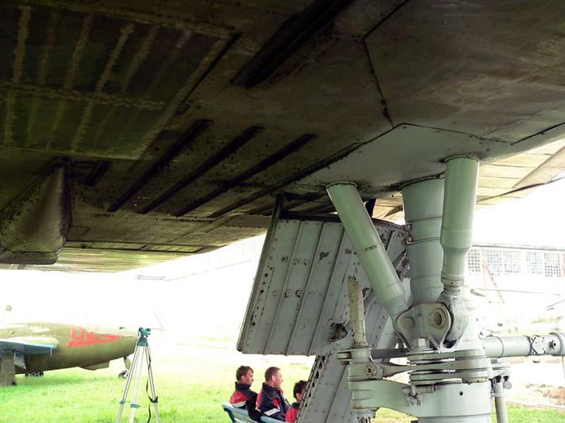 Sukhoi T-4 11