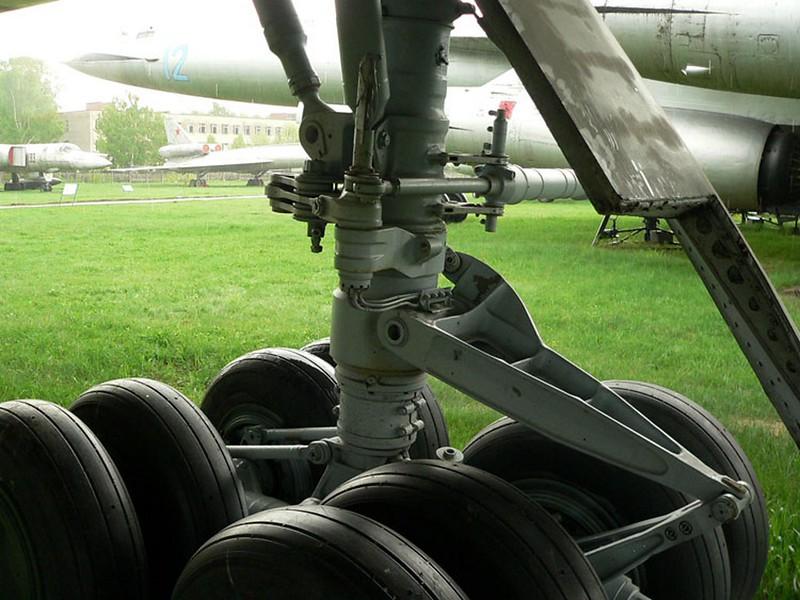 Sukhoi T-4 18