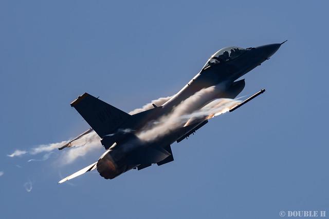 JASDF Komatsu AB Airshow 2019 (52) PACAF F-16 Demo Flight