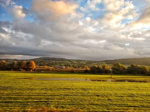steeton airedale aire valley train field sunrise morning sunlight snapseed motorola