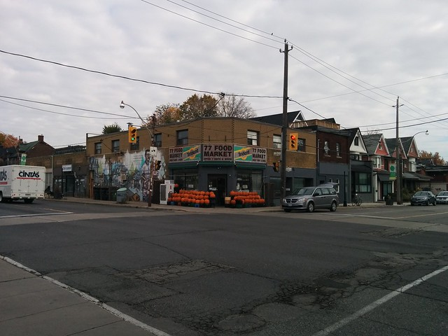 77 Food Market #toronto #dovercourtvillage #dovercourtroad #hallamstreet #intersection #77foodmarket #fall #autumn #architecture #cornerstore