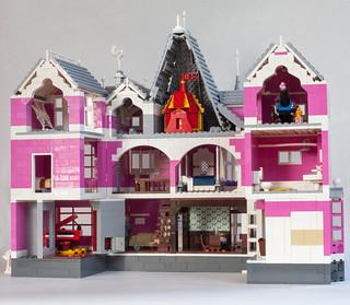 Coraline S Pink Palace Apartments Brickset Flickr