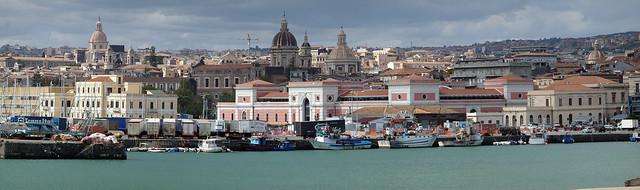 Hafen von Catania
