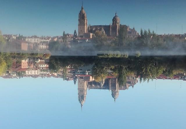 Salamanca. Sus catedrales. Foto girada.