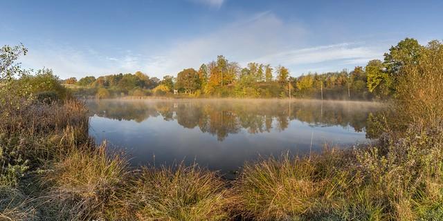 *Eichholzmaar im Herbst*