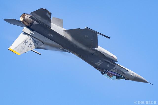 JASDF Komatsu AB Airshow 2019 (50) PACAF F-16 Demo Flight