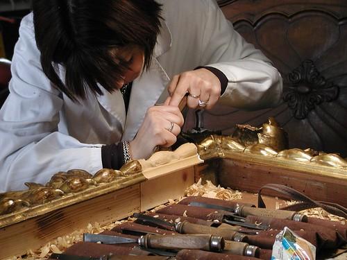 Tecnico specializzato in intaglio e scultura su legno