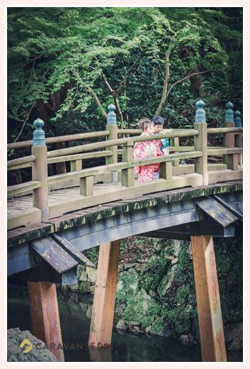 七五三のロケーション撮影 お城内の橋の上