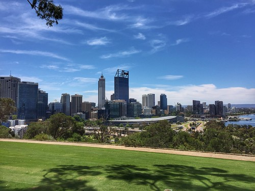 perth kings park view city architecture architectuur stad uitzicht iphone6 shadow clouds wolken mount eliza skyline