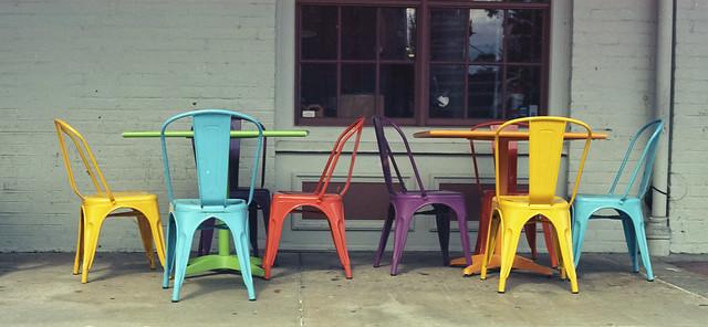 Chairs with Ektar colors. (Colores Ektar).