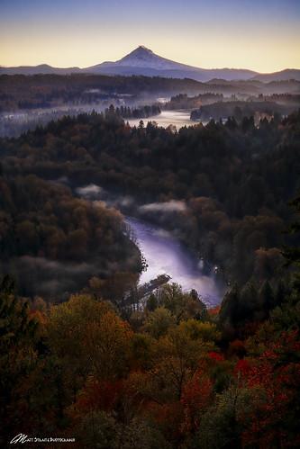 fall color landscape hood sandy river water stream fog clouds sunrise tripod canon oregon mountain