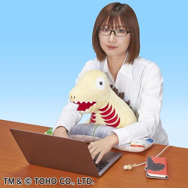 讓呆萌蒲田君陪你過冬!PC CUSHION《正宗哥吉拉》哥吉拉 第2形態(PCクッション シン・ゴジラ ゴジラ第2形態)抱墊玩偶