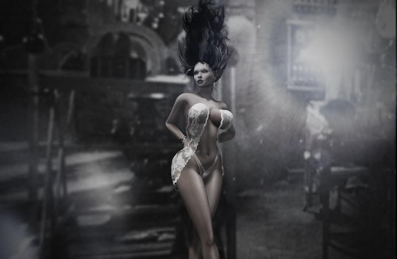 Emmanuelle Bride of Frankenstein (Halloween Costume 2019)