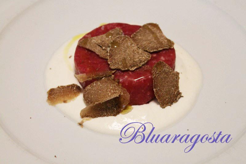 02-tartare al tartufo con crema di burrata