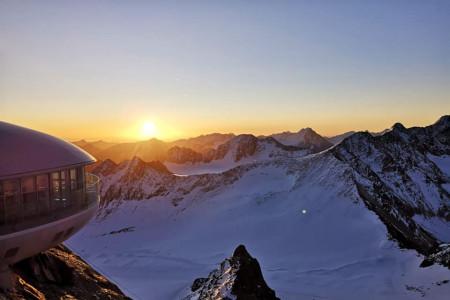 Aktuálně: čerstvý sníh vylepší ledovcové lyžování