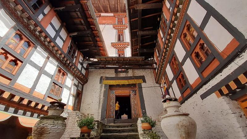 Arquitectura típica tibetana en un dzong de Bután