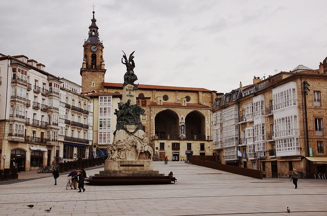 Andre Maria Zuria - Plaza de la Virgen Blanca - Vitoria-Gasteiz