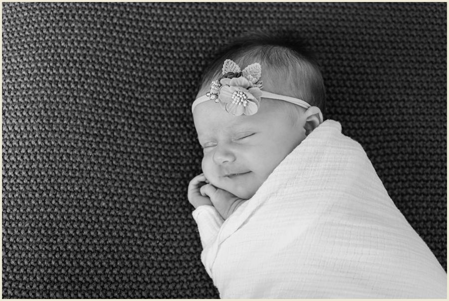 clevelandlifestylenewbornphotographer-ohiolifestylephotographer-iowanewbornphotographer-jenmadiganphotography-17