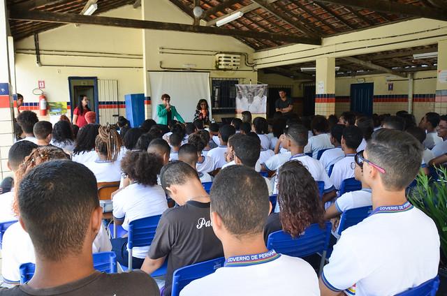 Núcleo de Justiça Comunitária de Casa Amarela promove roda de conversa em escolas do bairro