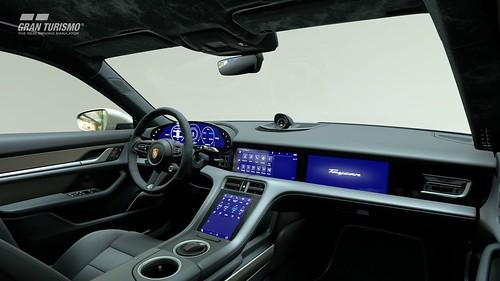 Porsche Taycan Turbo S '19 Cockpit