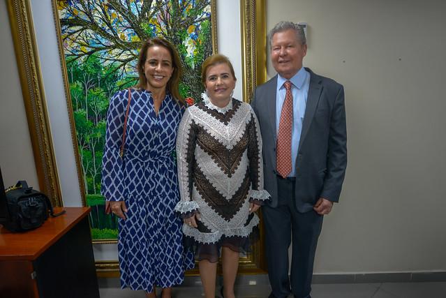 31.10.19 Prefeito e a primeira-dama prestigiam a homenagem da presidente do TCE na Câmara