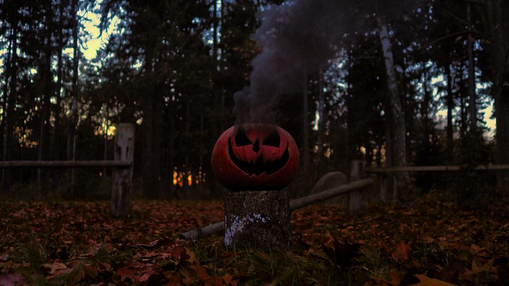 Halloween Smoke Bomb Pumpkin