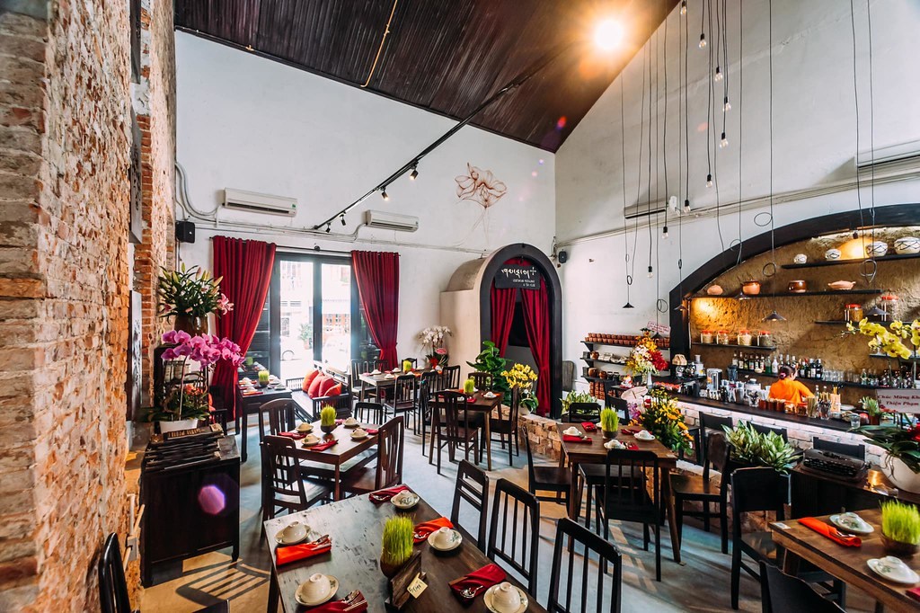 Shamballa Vegetarian Restaurant & Tea House Saigon 6