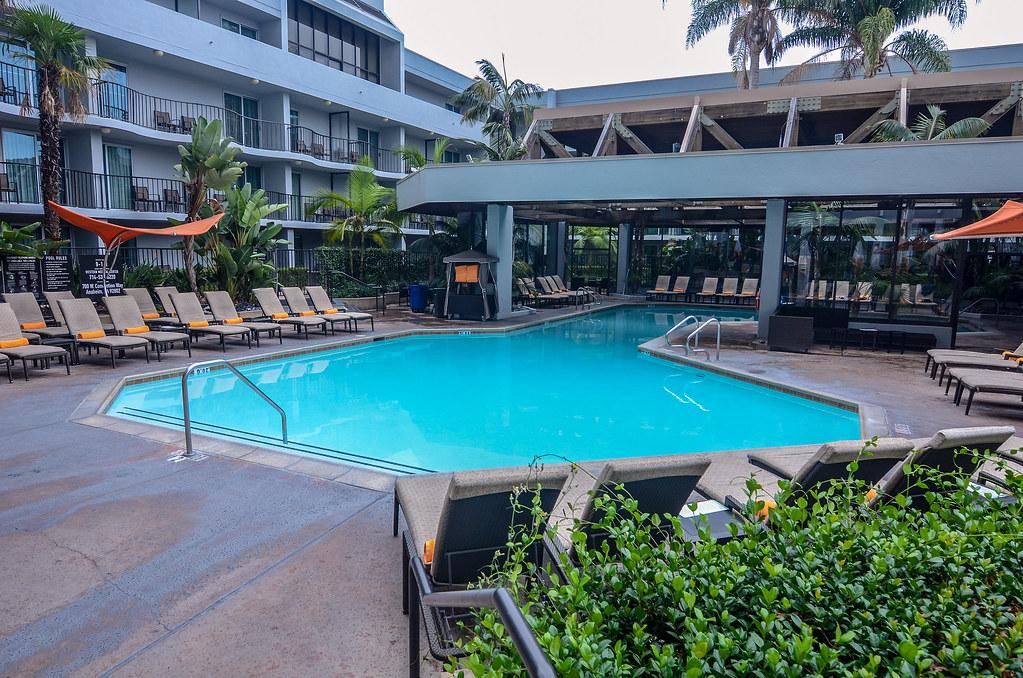 Anaheim Marriott pool