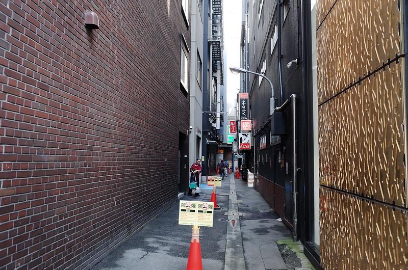 24偽東京いい道しぶい道 並木通り横路地