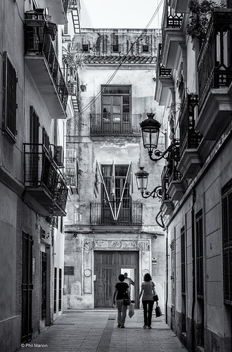 Narrow streets of old Valencia, Spain | by Phil Marion (177 million views - THANKS)