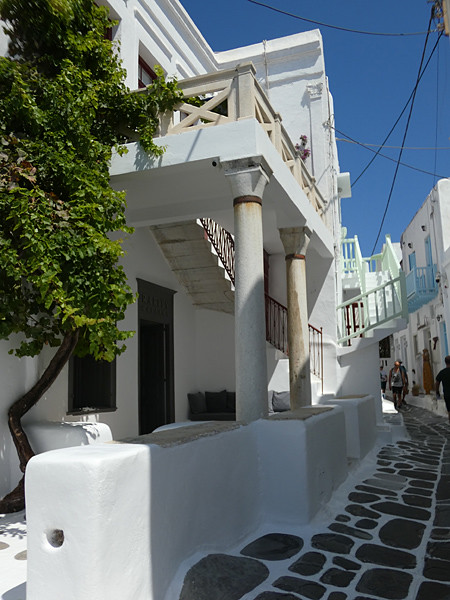 ruelle pavée de Mykonos