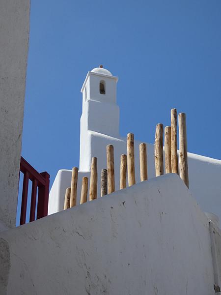 église et bâtons