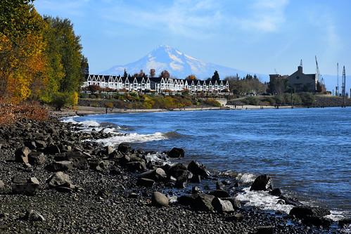 mounthood vancouver washingtonstate water columbiariver river wa volcano usa oregon or landscape