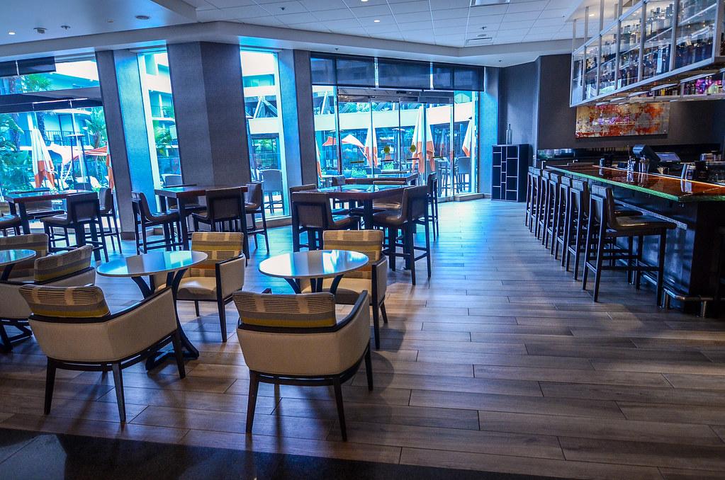 Anaheim Marriott bar seating