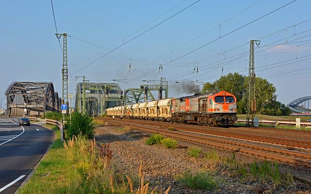 HVLE V330.7 (250 005-6) - Norderelbbrücken
