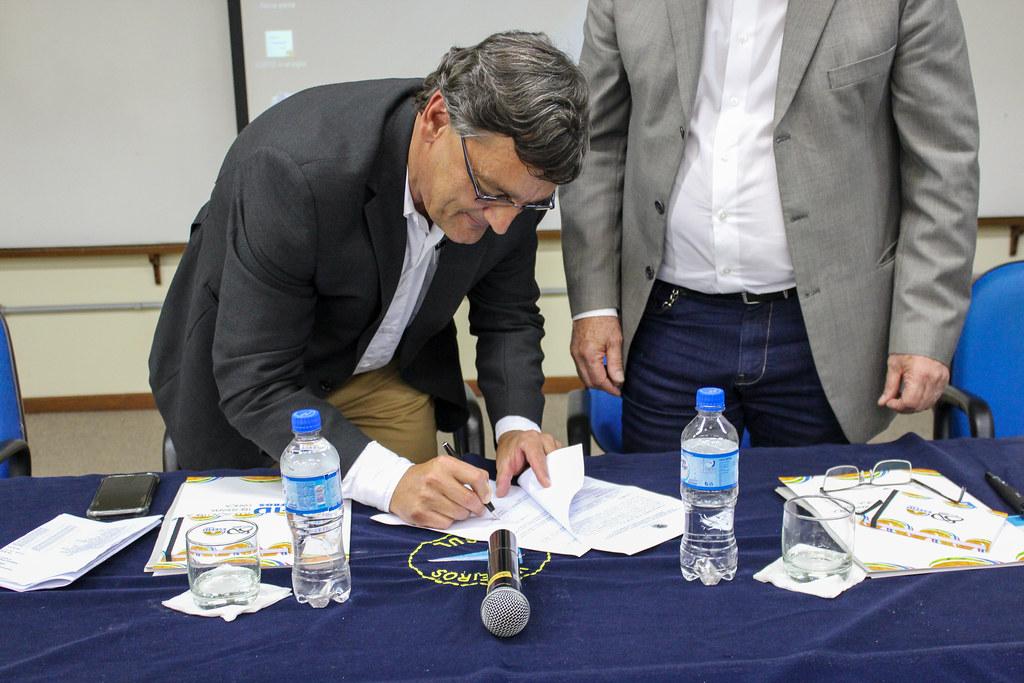 Assinatura do convênio Veleiros do Sul e UFRGS