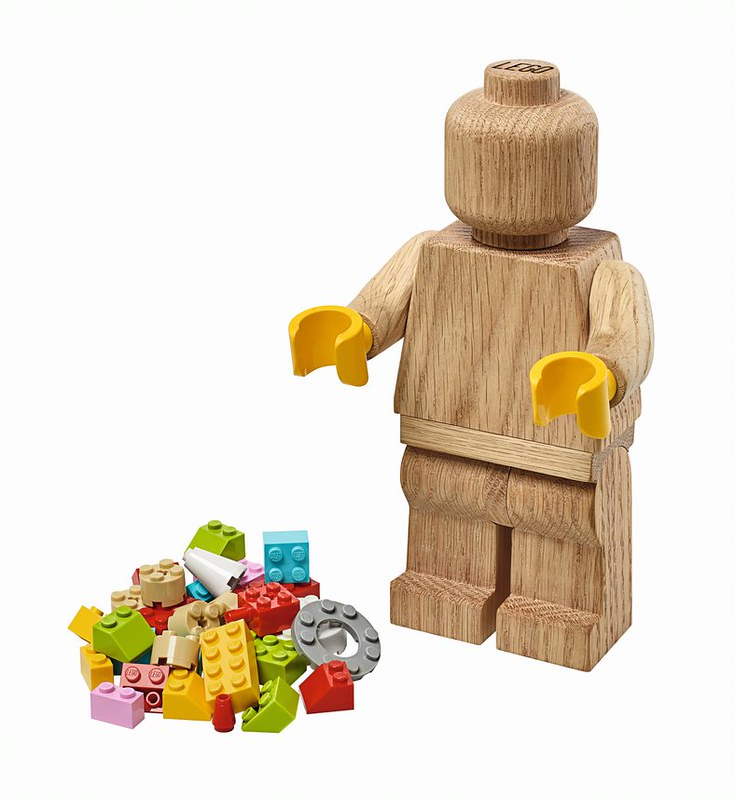 LEGO Originals minifigure_figure and loose bricks