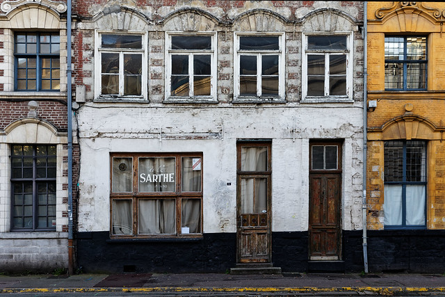 Former french café