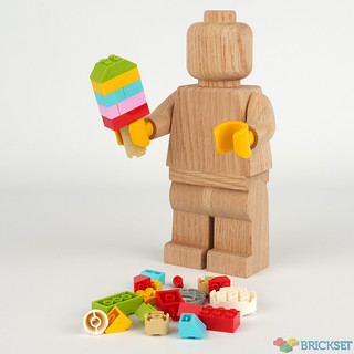 Review: Wooden minifigure