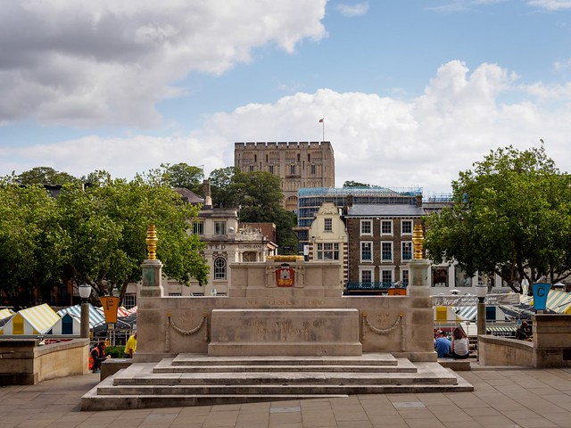 Norwich War Memorial and Castle