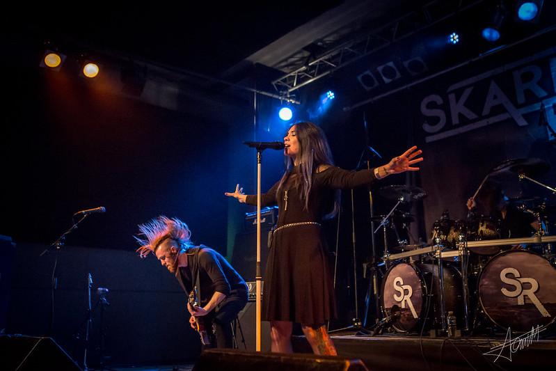 Skarlett Riot (1)