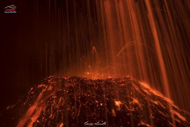 #Etna - lava's rain!🌋