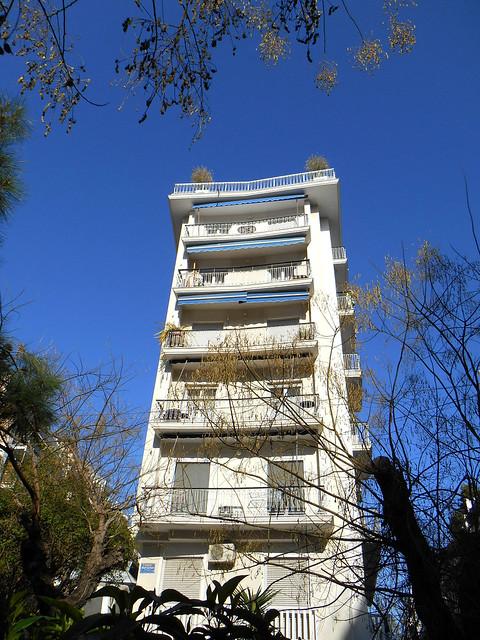 Η...γωνιακότερη πολυκατοικία της Αθήνας / A little like the Flatiron building