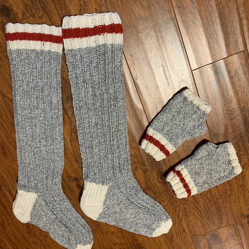 More finished projects knit by Rosemary!