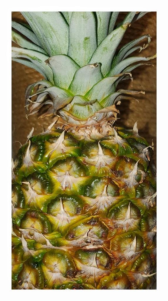 20191102_053205 Ananas im Dunklen fotografiert  F1.5