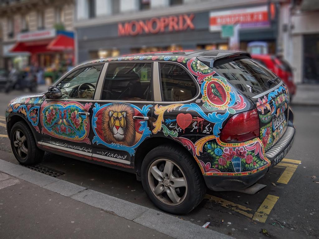 Bollywood car in Paris... 48998768082_4ae185eec9_b