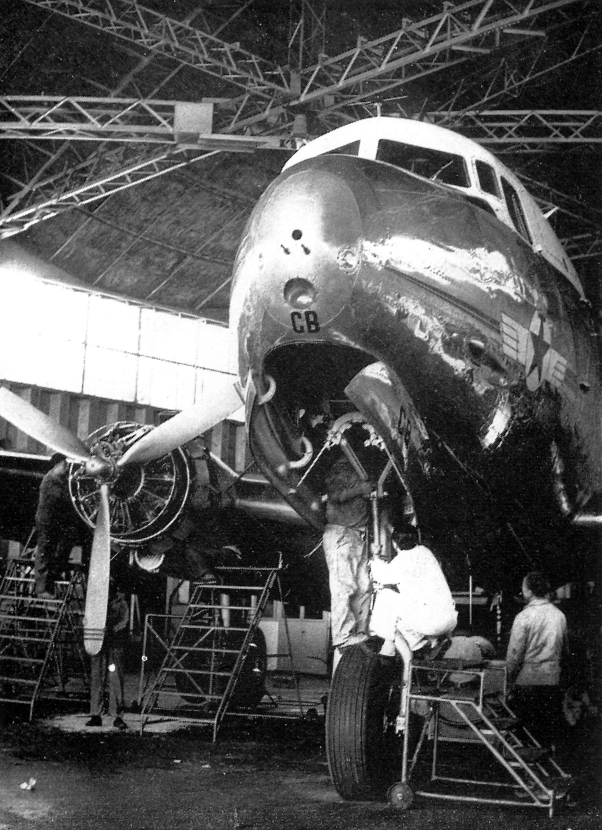 Anciens avions de la RAM - Page 4 48998780333_a042a9870b_3k